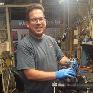 J.A. King Employee Spotlight – Roberto – Master Tech in Smyrna 1